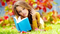 Girls Beautyful Girls The girl on the grass reading a book 077450